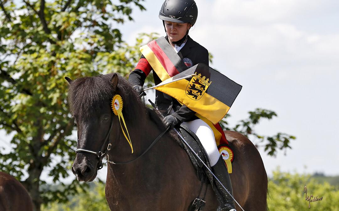 Medaillenregen auf der Deutschen Jugendmeisterschaft für den Allee-Reitstall